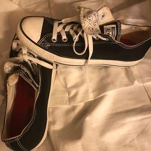 Black Converse size 9
